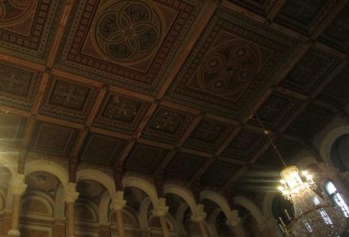 Синоїдальна зала Чернівецького університету