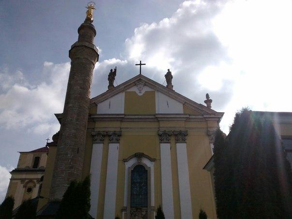 Фасад камянець-подільського храму
