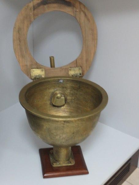 Музей історії туалету (16)
